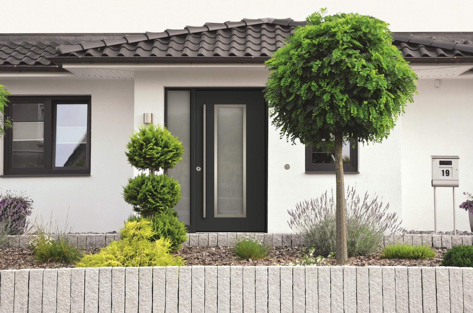 dura smart kunststoffhaust ren nach kundenwunsch presse datenbank. Black Bedroom Furniture Sets. Home Design Ideas